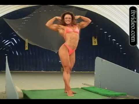 Carmen Unger – Biceps Flexing