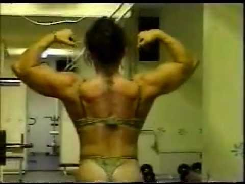 Monica Ingebrigtsen – Big Biceps Flex