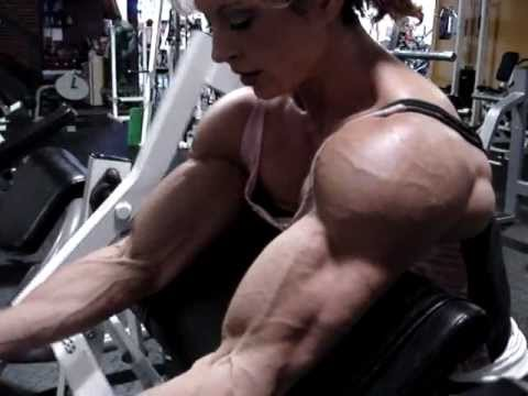 Heather Pedigo (Parsons) – Massive Biceps Workout