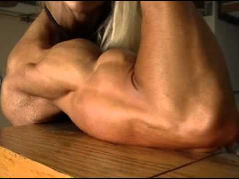 Mindi O'Brien – Close-Up Biceps Flex