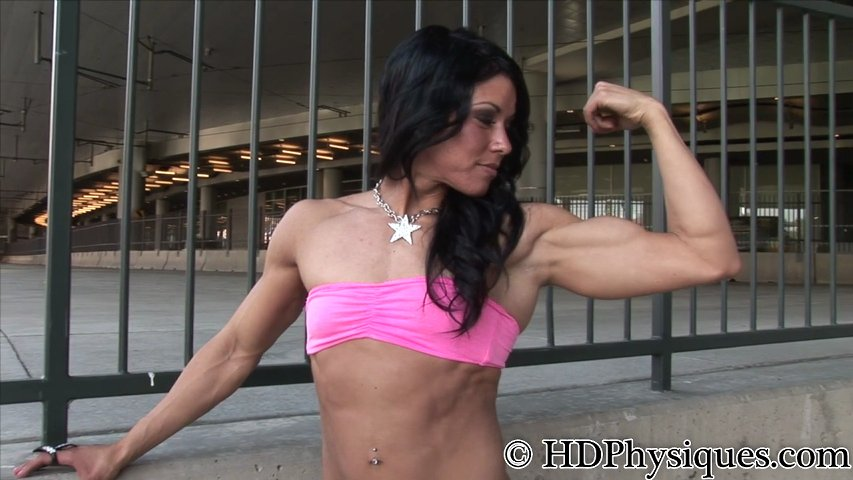 Laura Gutilla – Muscular Physique Woman
