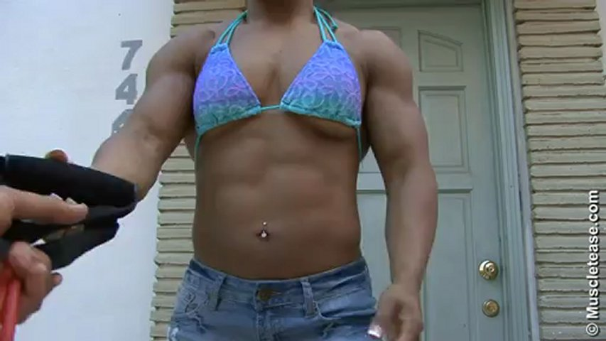Lisamaris Davila – Jean Skirt Flexing