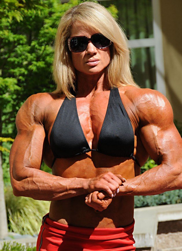 Lisa Giesbrecht – Biceps And Triceps Workout