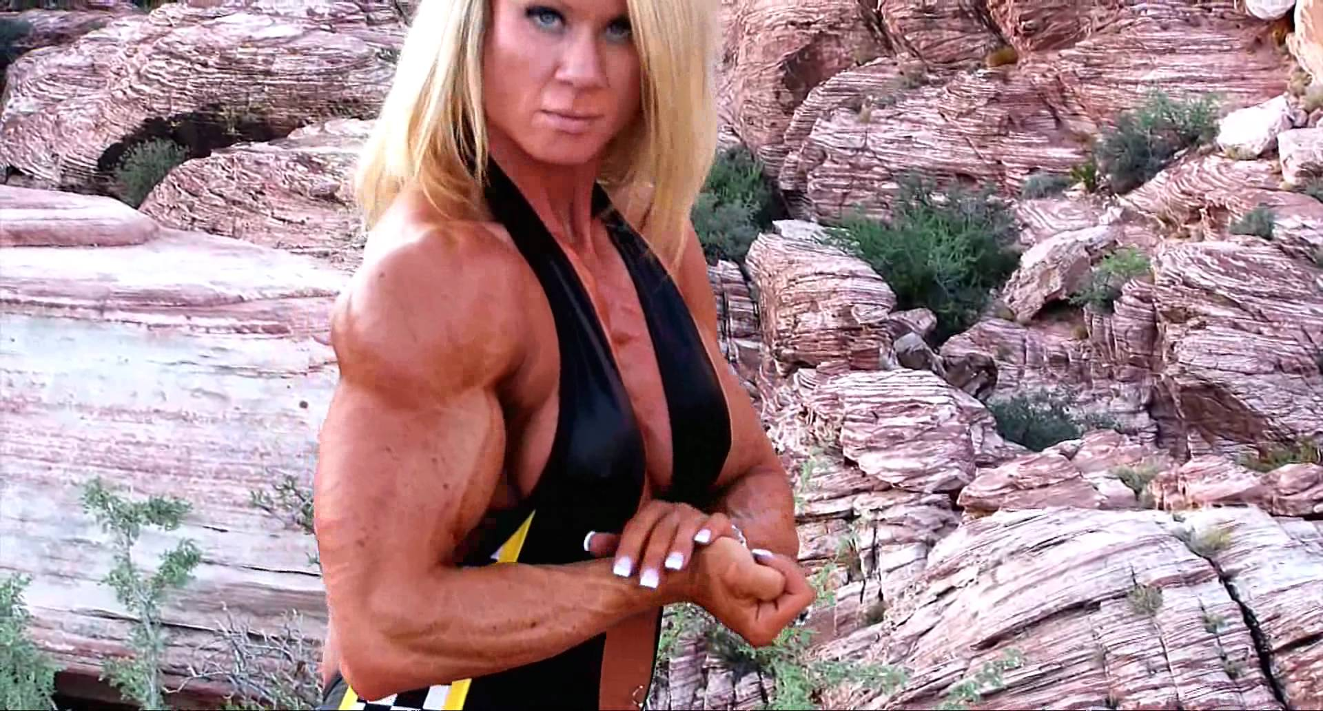 Lisa Giesbrecht – Biceps Flexing