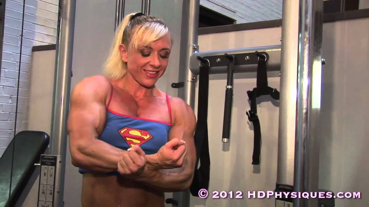 Lori Steele Flexing