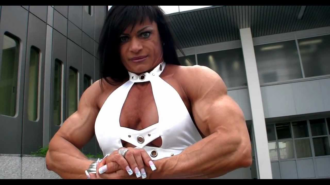 Claudia Partenza – Ripped Biceps
