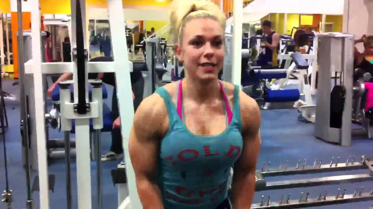 Minna Pajulahti – Delts Workout