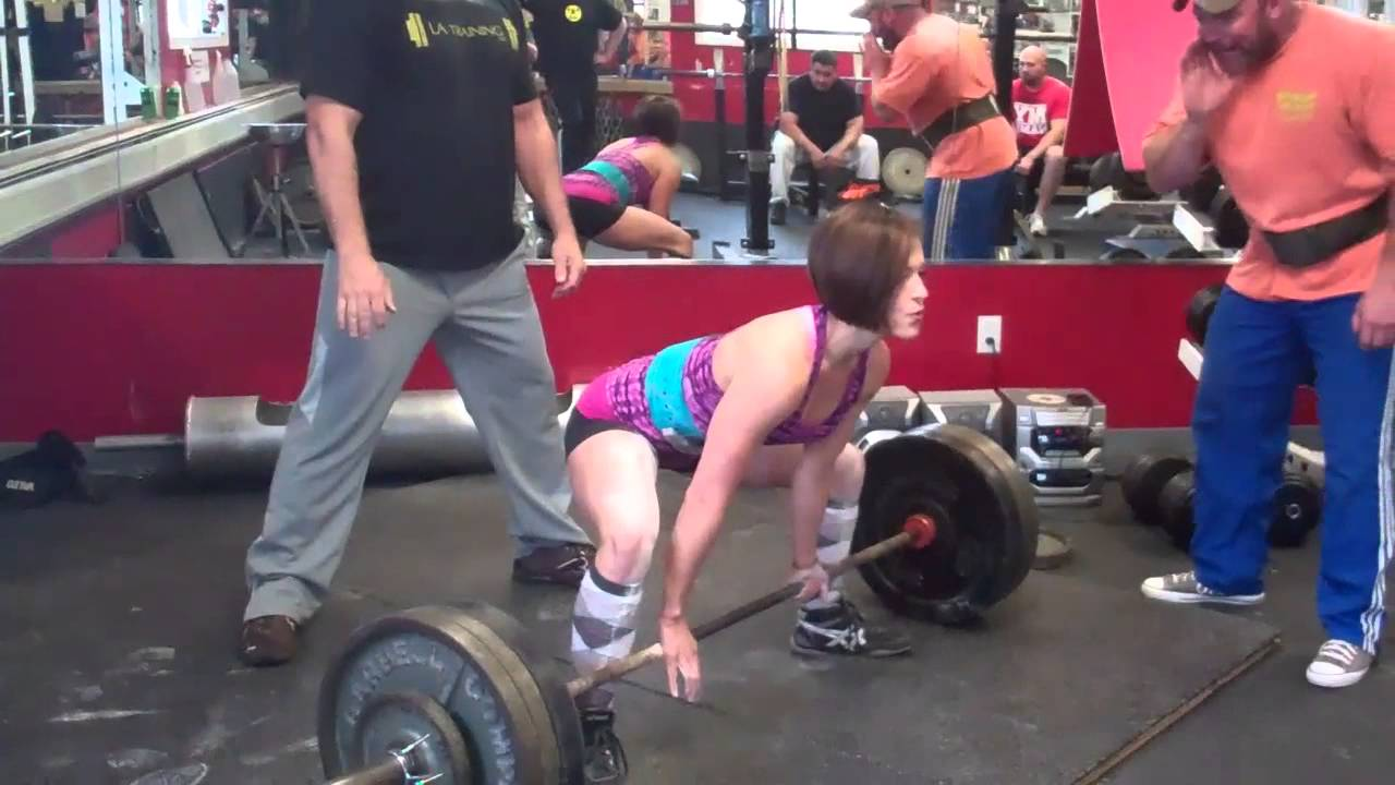 Katherine Welch – 152kg (335lb) Raw Deadlift
