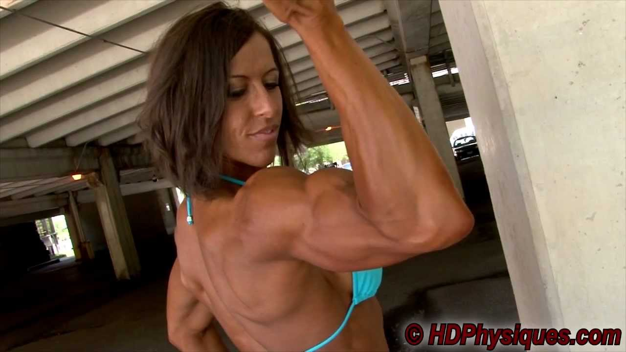 Brandi Richards Flexing