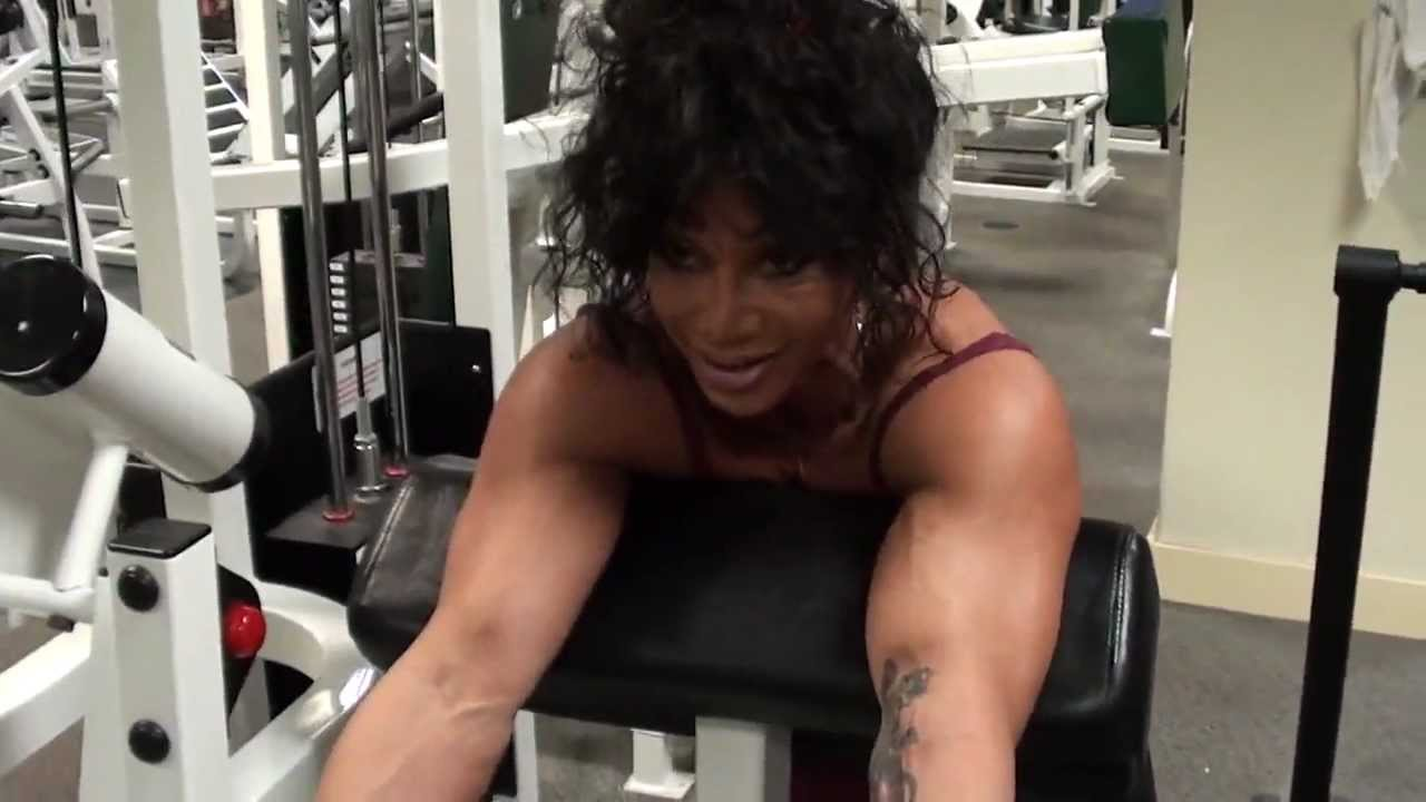 Latia Del Riviero – Biceps Workout
