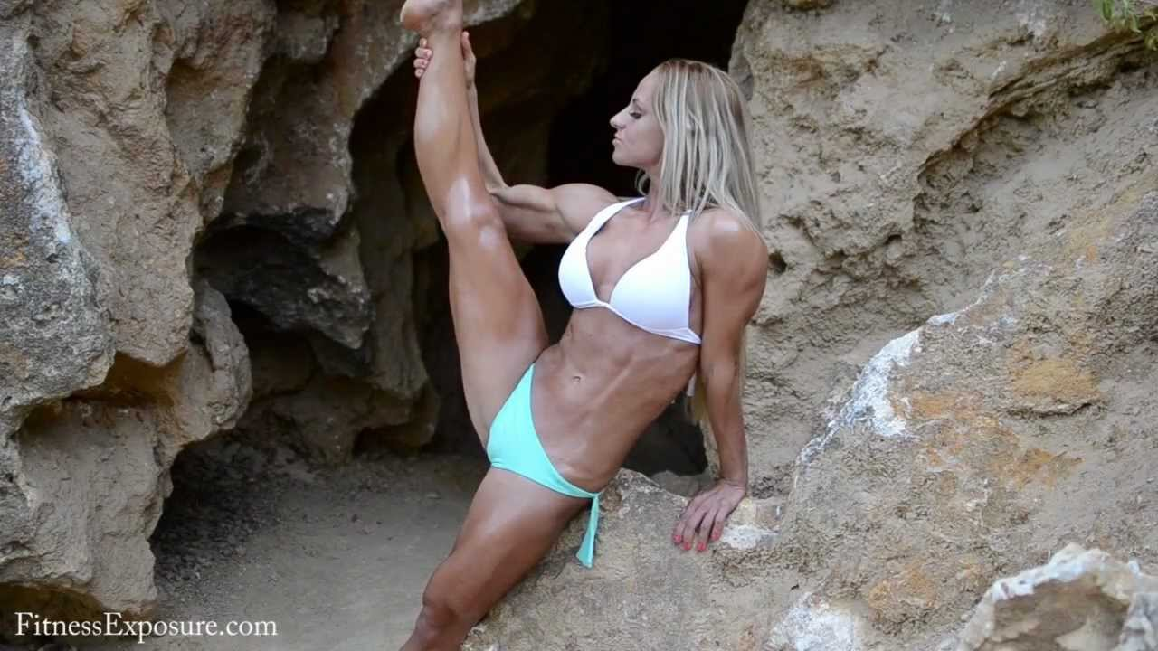 Timea Varga – Fitness Model Photoshooting Video Part 1