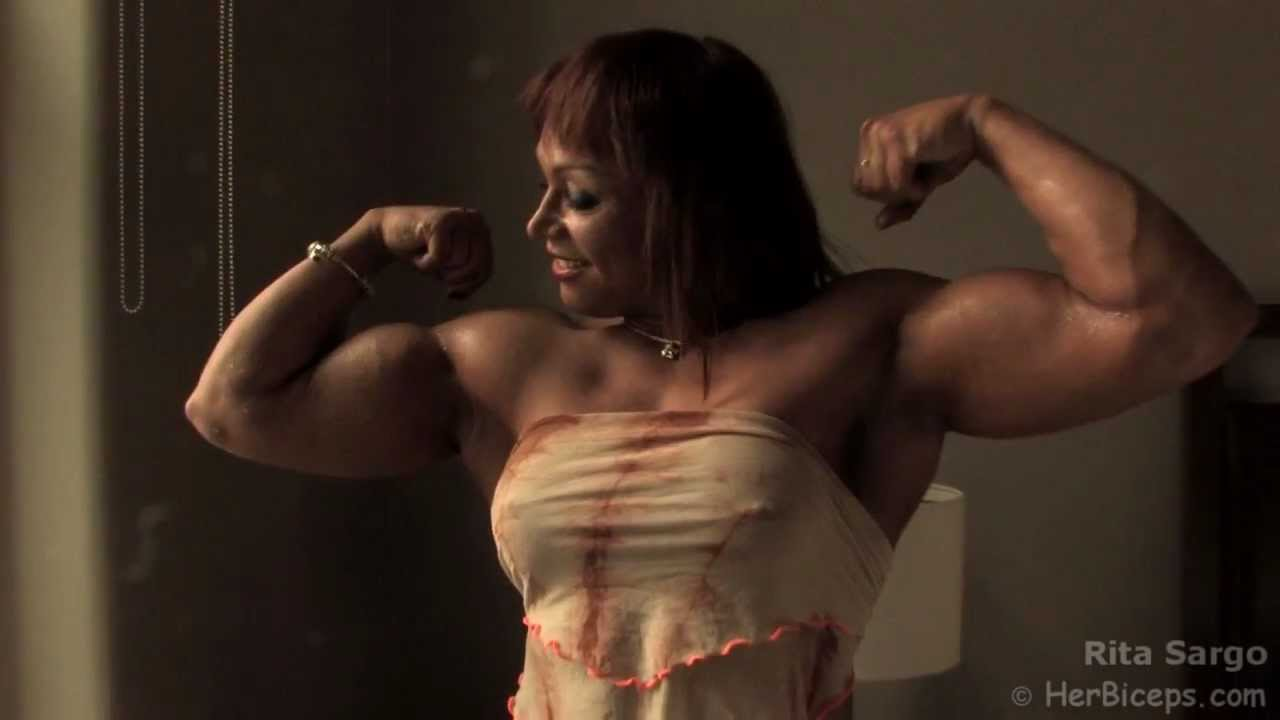 Angelica Enberg – Ripped Muscle Flexing