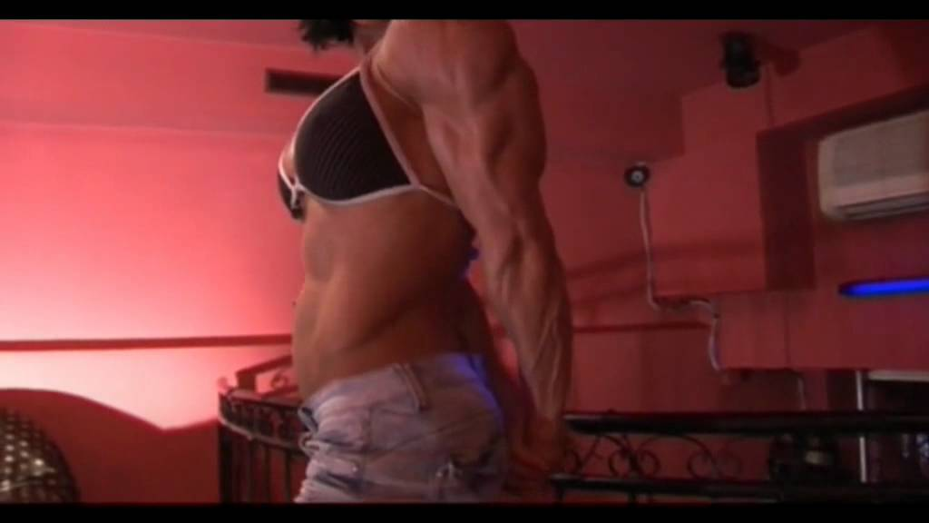 Anita Hegedus – Muscle Flexing