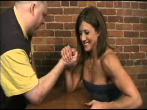 Shelby Dueitt – Flex, Armwrestle, Cradle Carry