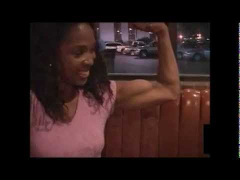 Girl vs Guy – Mixed Armwrestling