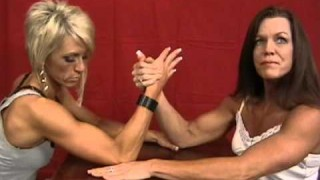 Penny Ruff & Candee Meiring Armwrestling