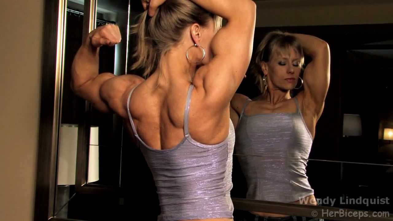 Wendy Lindquist – Biceps Flexing