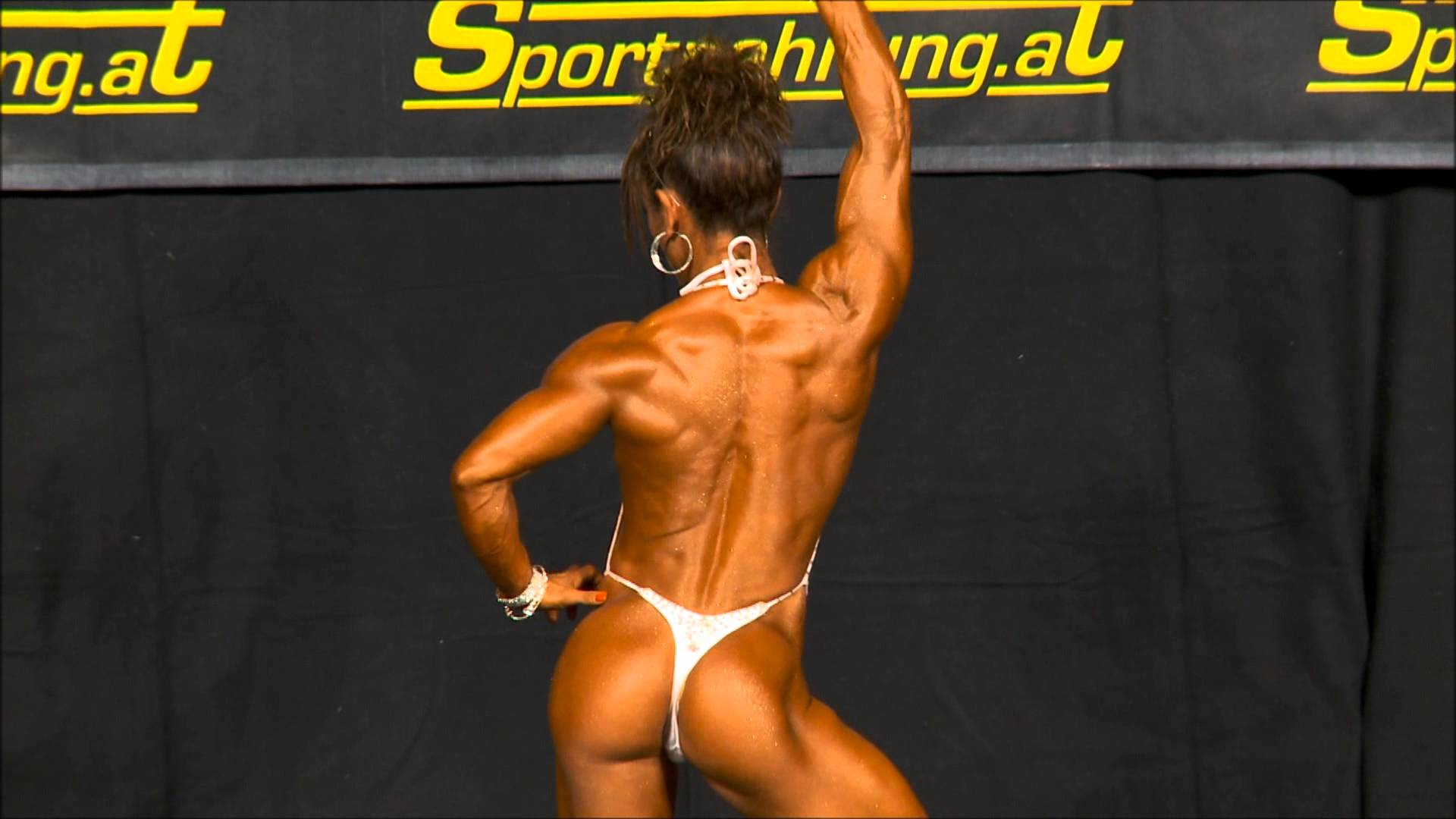 Flora Conte – WFF Worlds 2012 Posing