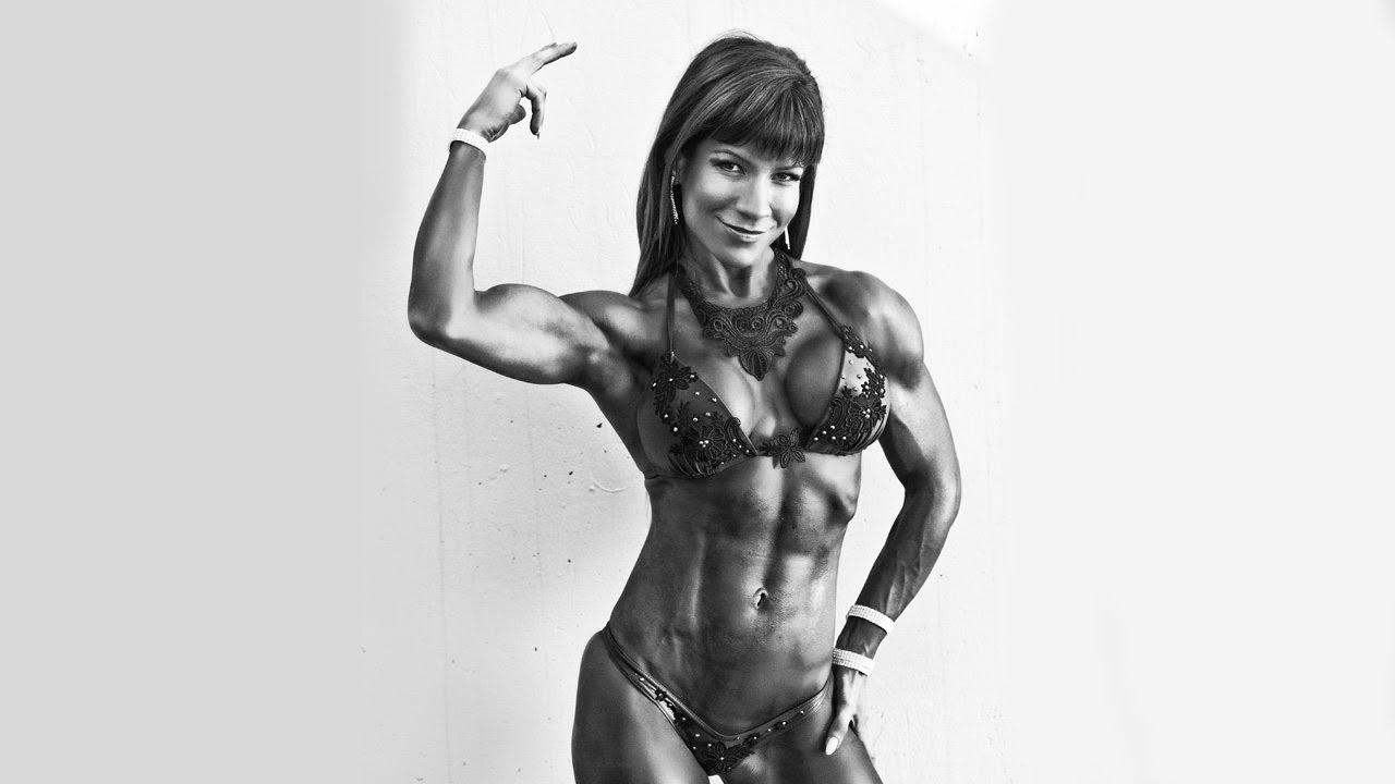 Vivien Olah – Biceps Flexing Photoshoot
