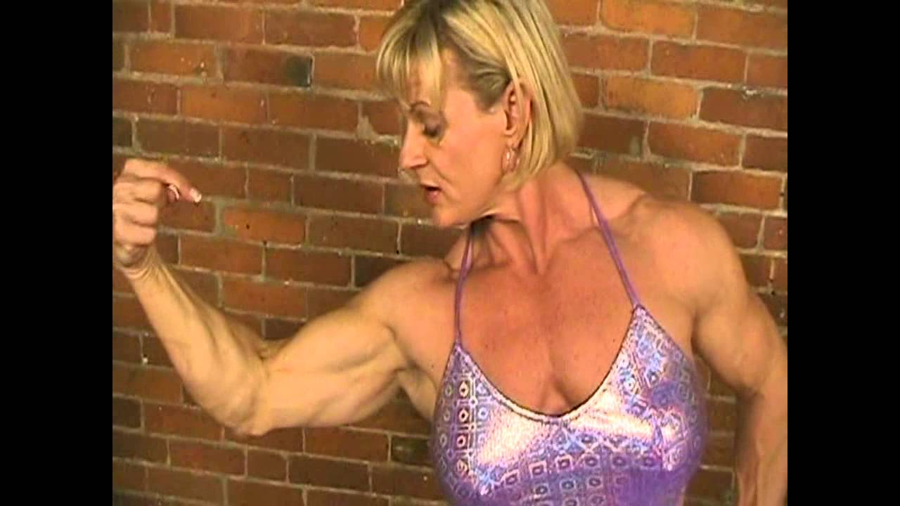 Sue Scheppele – Biceps Flexing