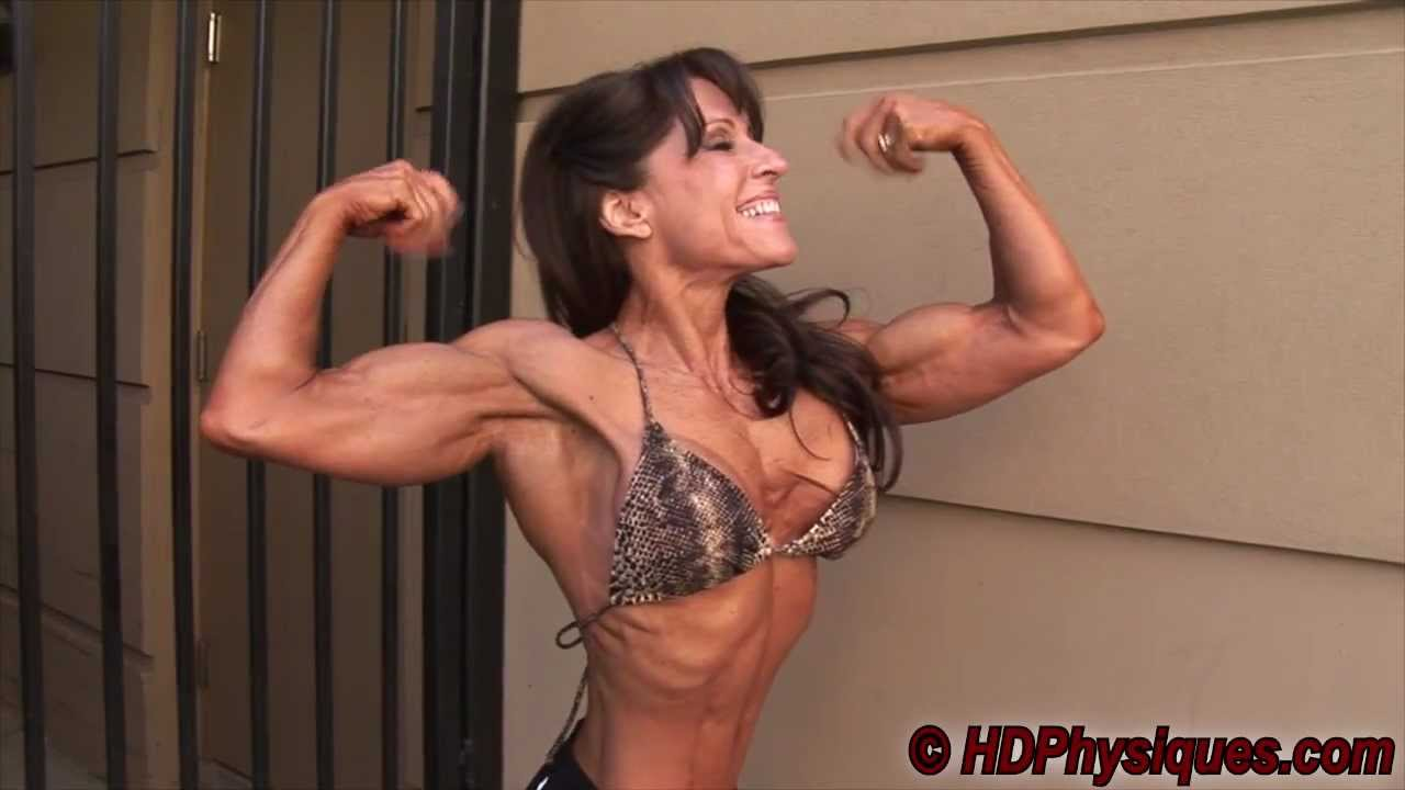 Anne Marie Kam Flexing