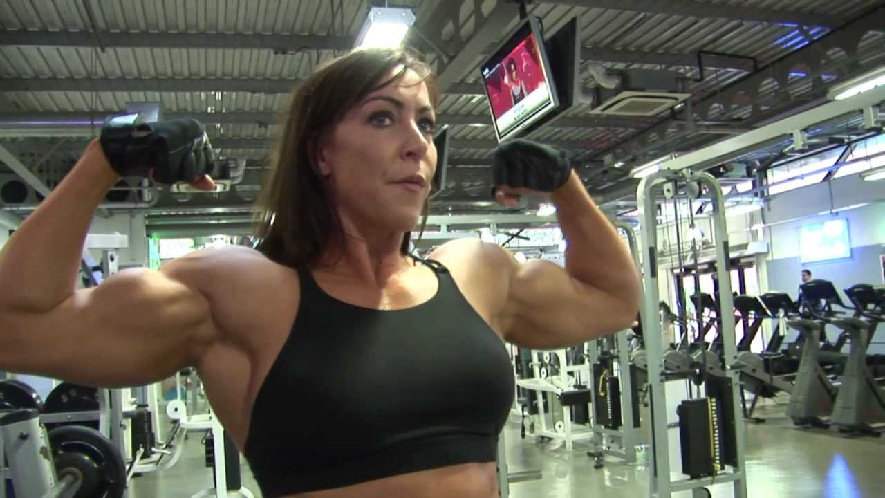 Lisa Carrodus – Chest & Back Workout