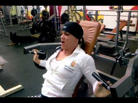 Suzy Kellner – Shoulders Workout