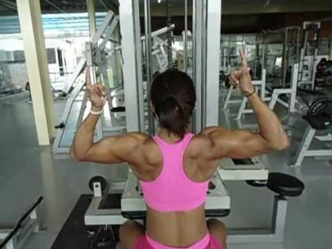 Aline Barreto – Back Workout