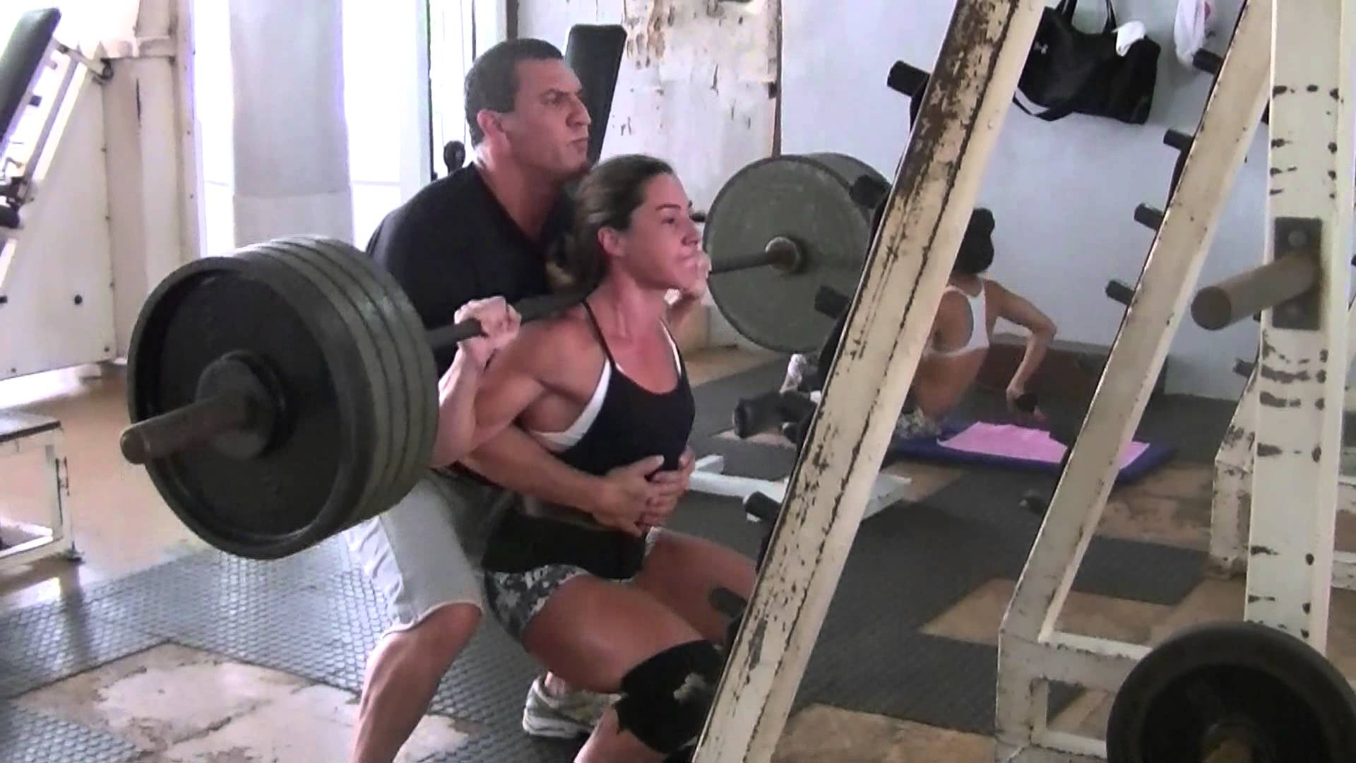 Flávia Carvalho – The Strongest Woman In Brazil