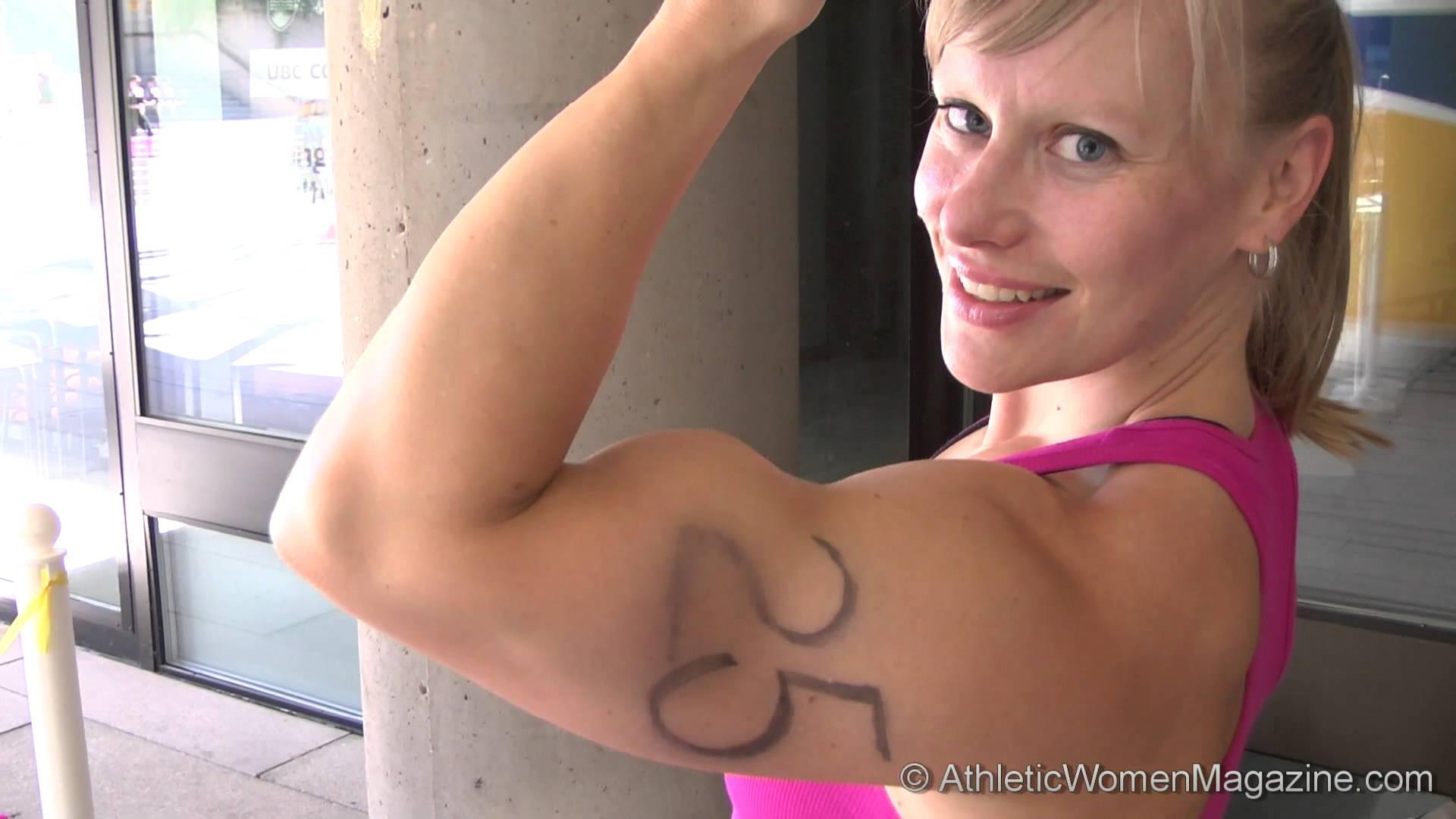 Wendy Lindquist – Big Biceps Flex