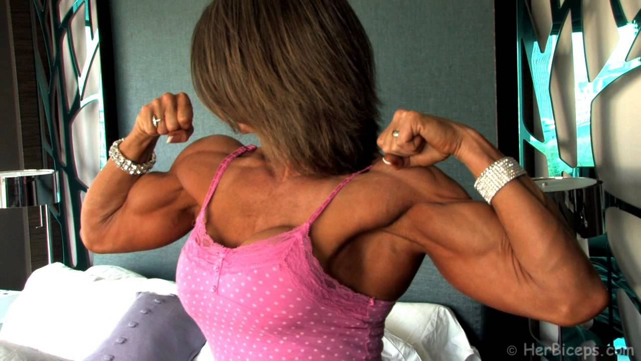 Tracey Weller Flexing