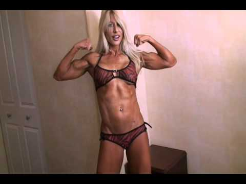 Fern Assard – Abs & Biceps Flexing