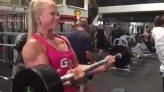Sarah Backman – Biceps Curls