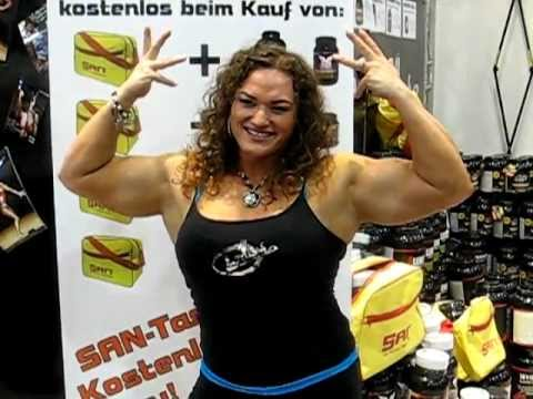 Corinne Ingman – Guest Posing At The NABBA/WFF Austrian Championships 2017