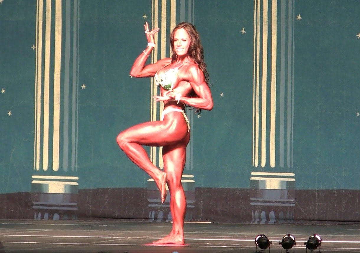 Jennifer Robinson – Europa Bodybuilding Show Of Champions 2012