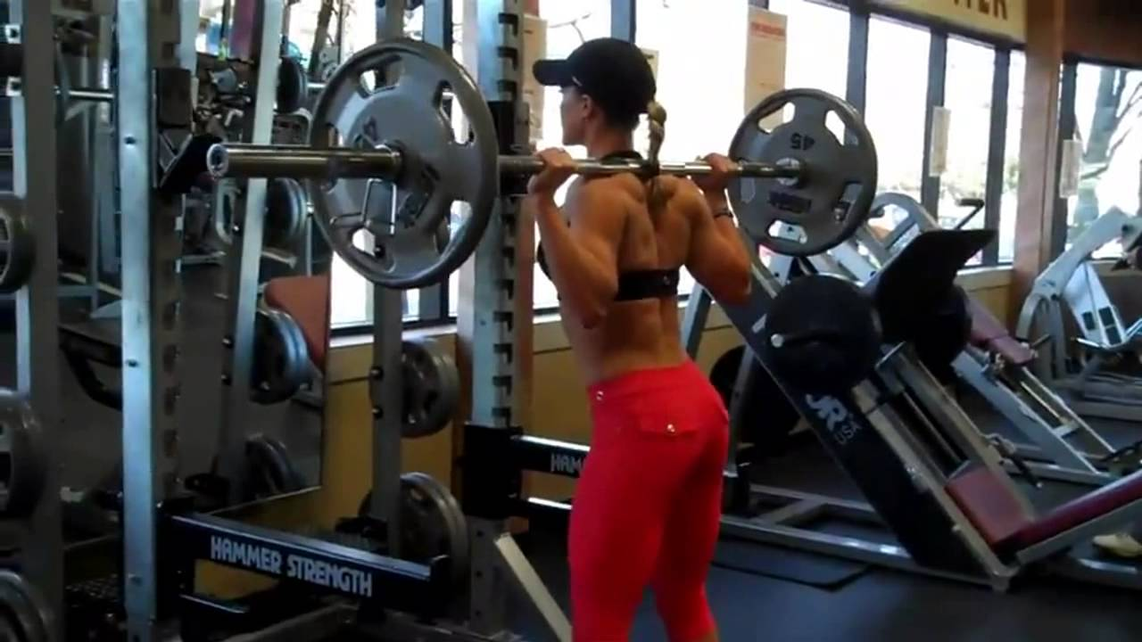 Nicole Wilkins – Barbell Squats
