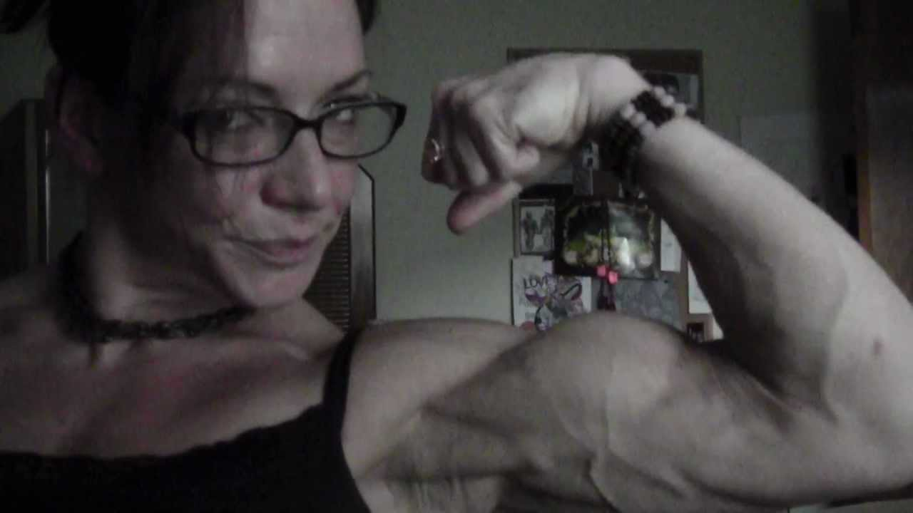 Sarah Dunlap – Biceps Flex Part 2