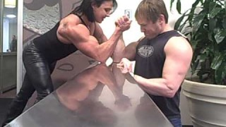 Rene Campbell – Mixed Armwrestling At The Arnold 2013