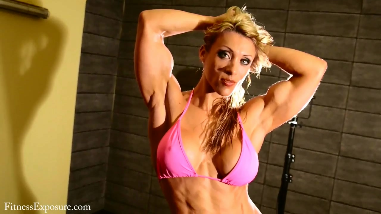 Katie Lee – Biceps Flexing