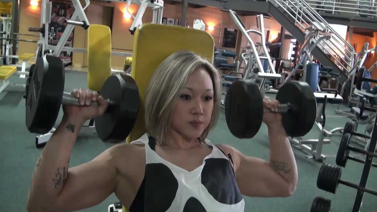 Julia Axford (Jax) – Shoulders Workout
