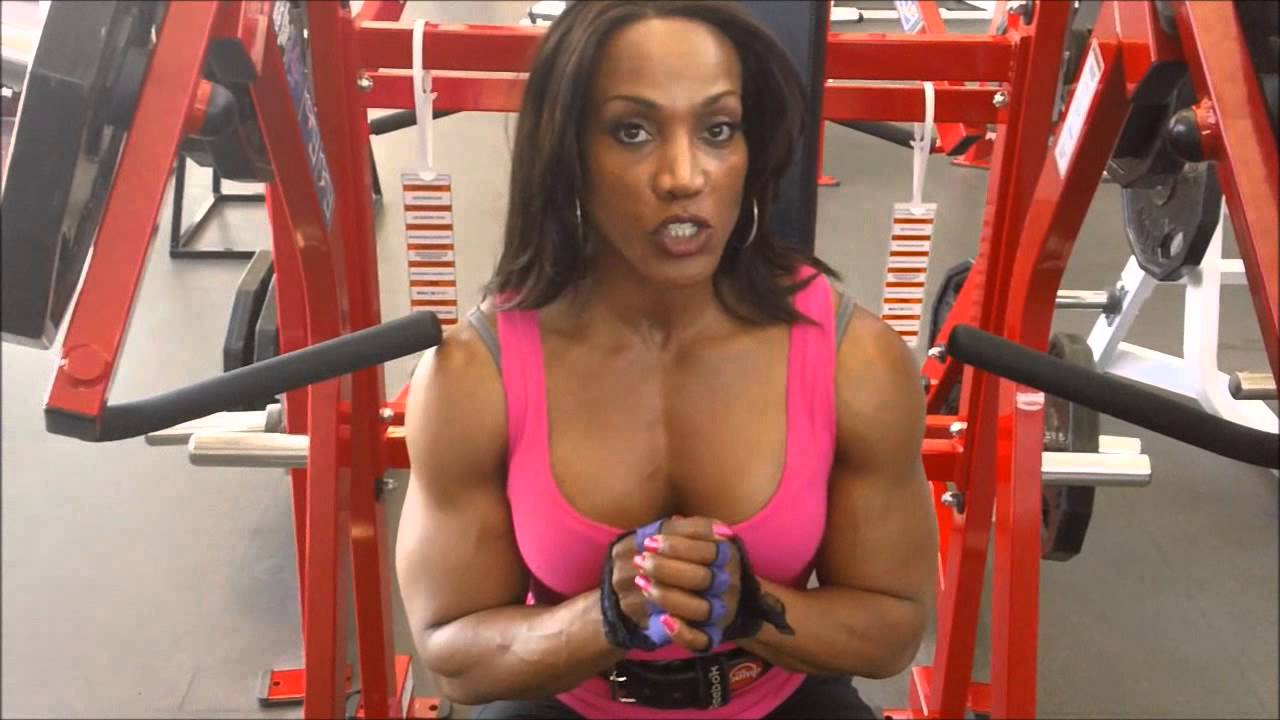Lenda Murray – Incline Chest Workout
