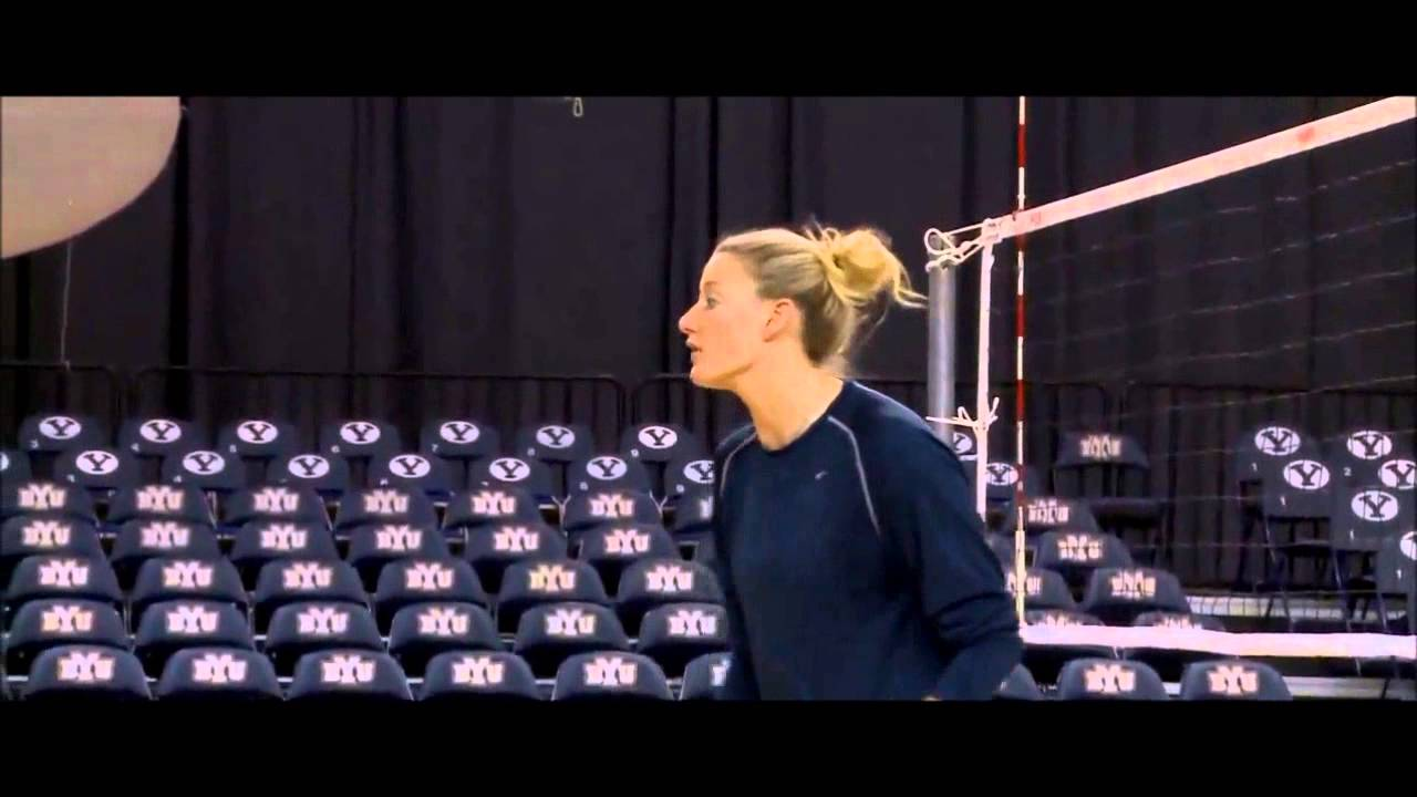 Stephanie Snow – 193cm (6'4″) Tall Volleyball Player