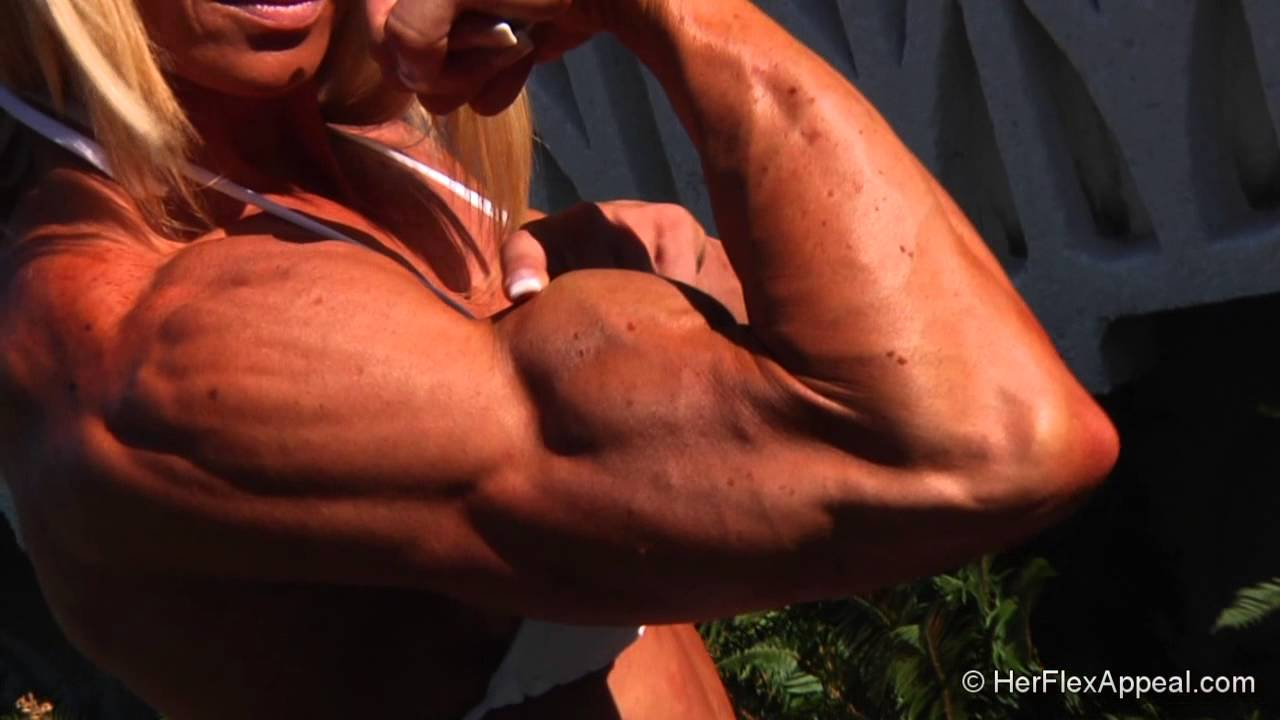 Lisa Giesbrecht – Big Biceps