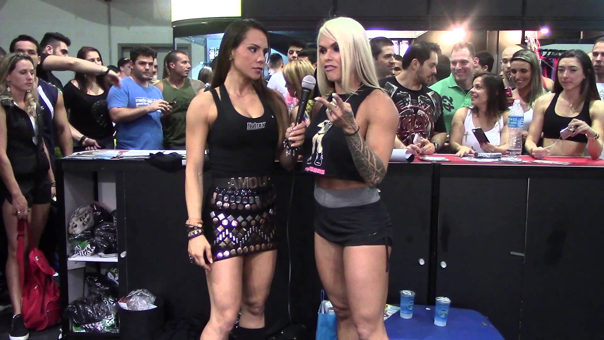 Larissa Reis At The Arnold Classic Brazil 2013 Expo