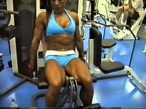 Natasha Aughey – Chest, Triceps & Shoulders Workout