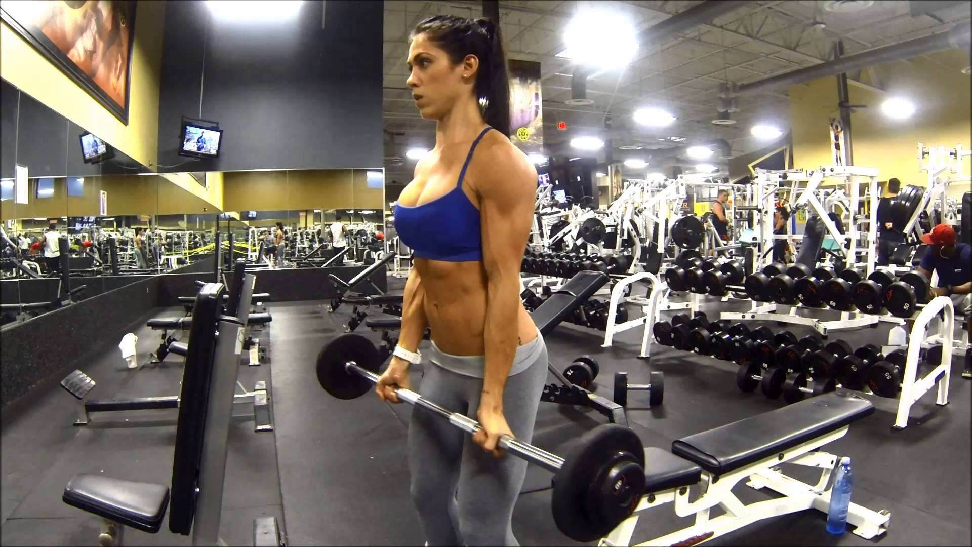Bella Falconi – Biceps Day