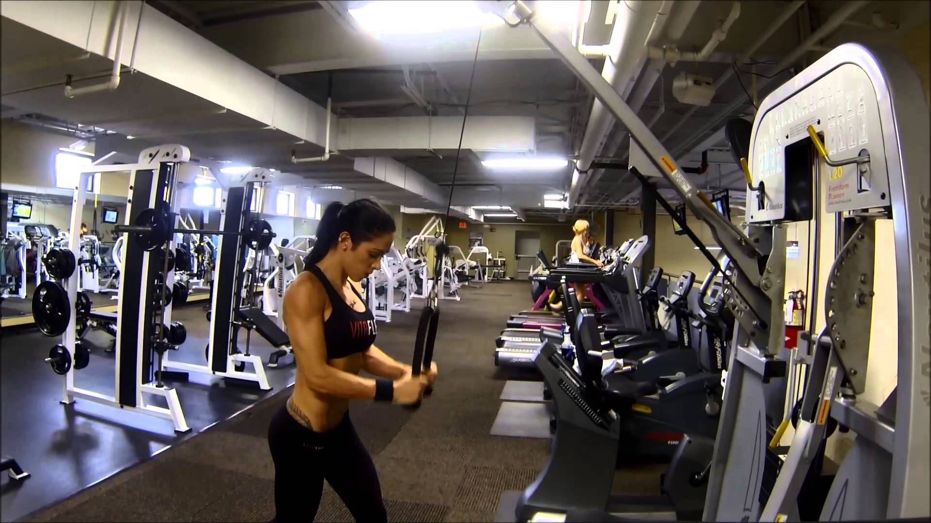 Bella Falconi – Triceps Day
