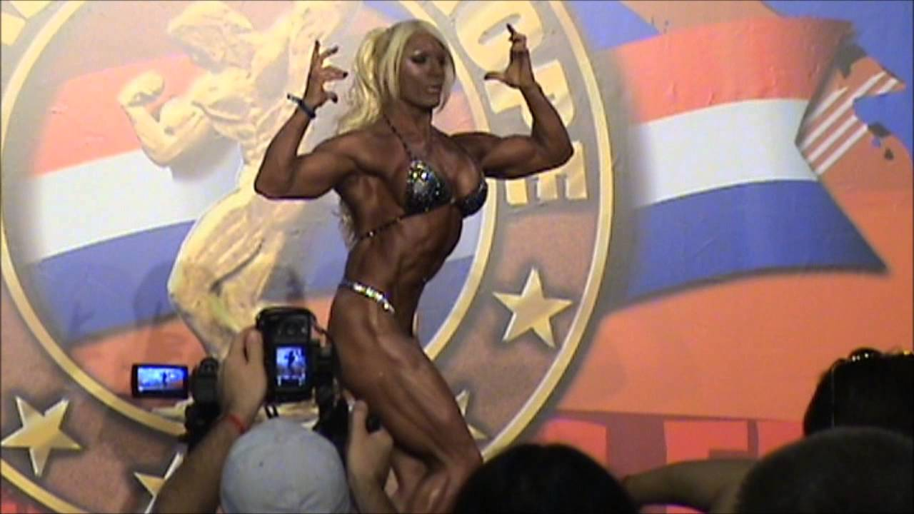 Lisa Cross – Arnold Classic Europe 2013