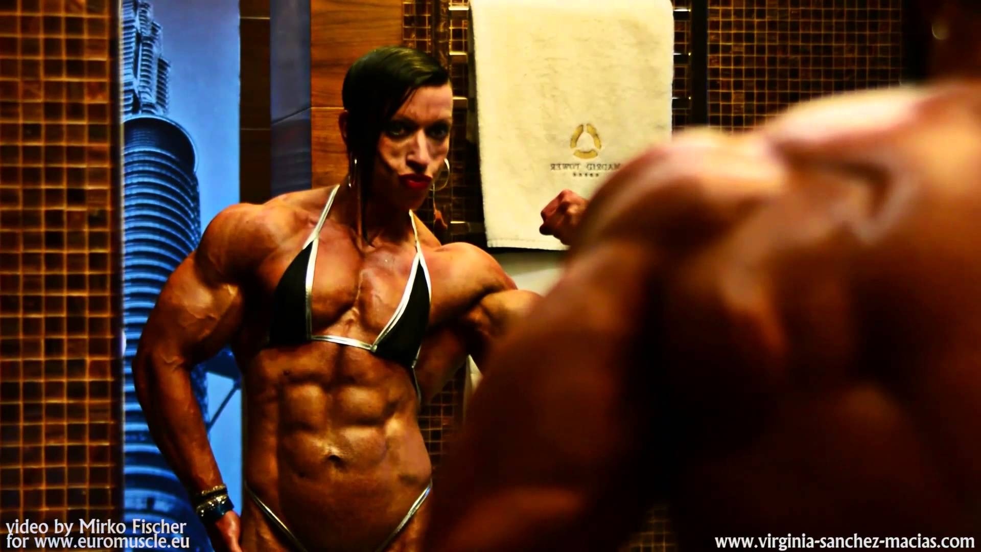 Olga Karavayeva – Flexing And Posing