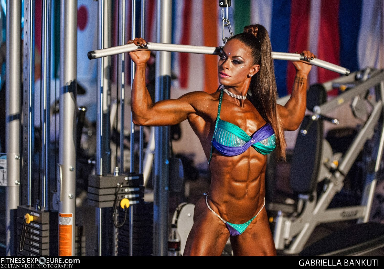 Michelle Lewin – Tricep & Shoulder Routine